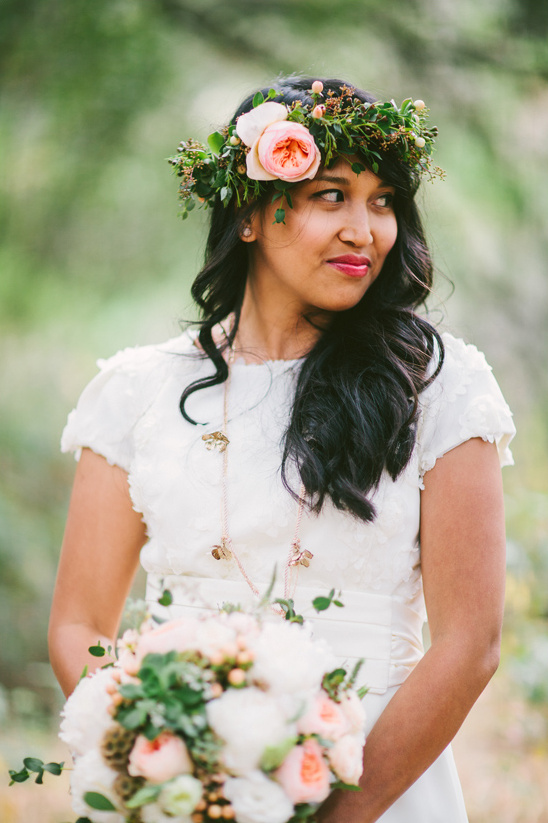 boho chic bride with floral wedding crown @weddingchicks