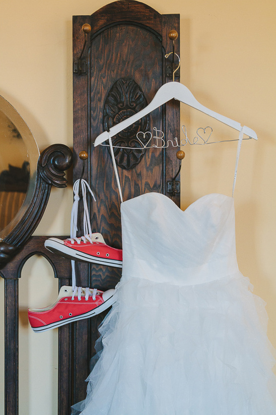 Red Converse With Your Wedding Dress Weddingchicks
