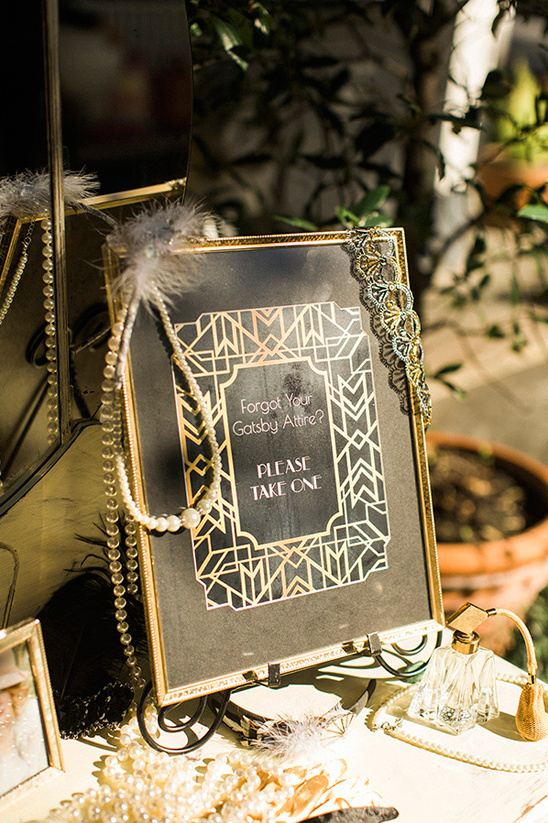 black and gold gatsby wedding