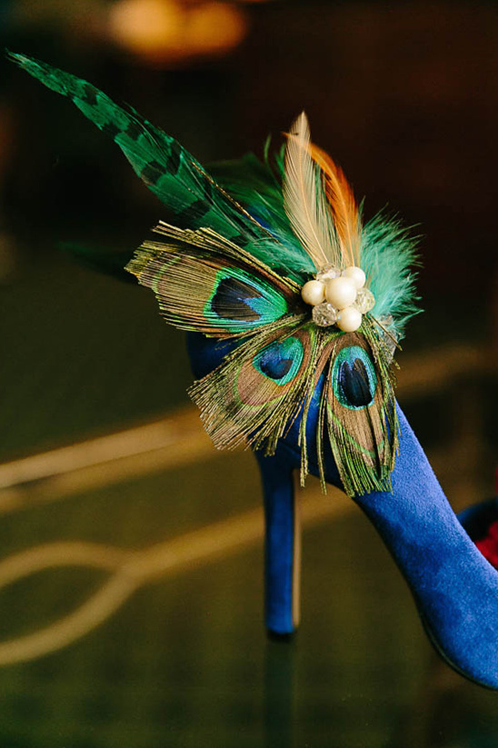 peacock feather embellished wedding shoe @weddingchicks
