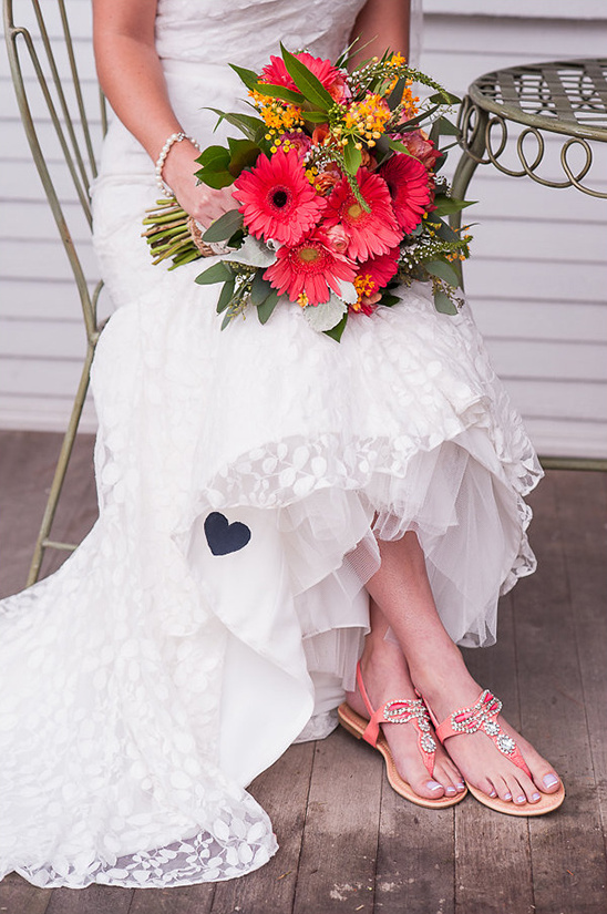 peach wedding shoes @weddingchicks