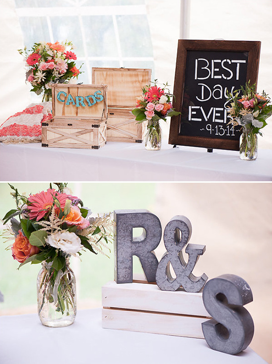 best day ever welcome table @weddingchicks