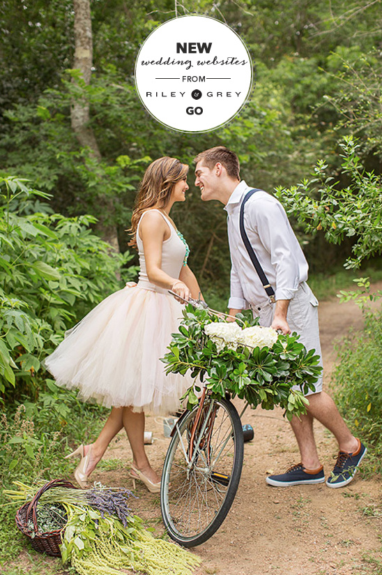 Customizable Wedding Websites from Riley & Grey @weddingchicks