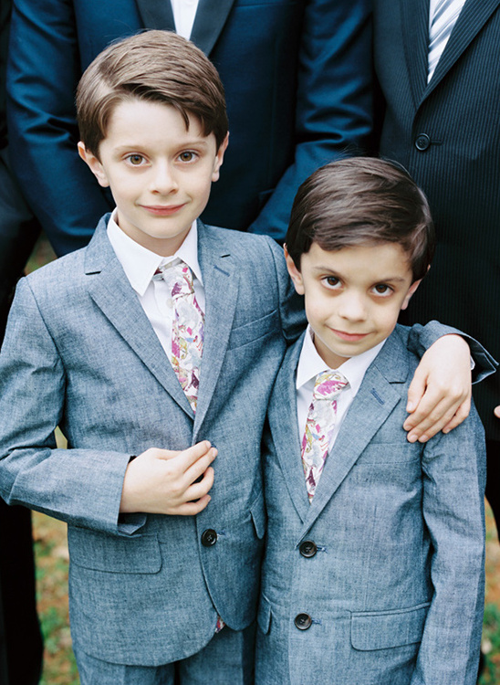 grey ring bearers @weddingchicks