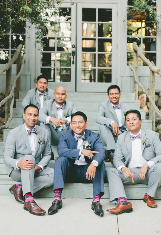grey groomsmen with pink socks @weddingchicks