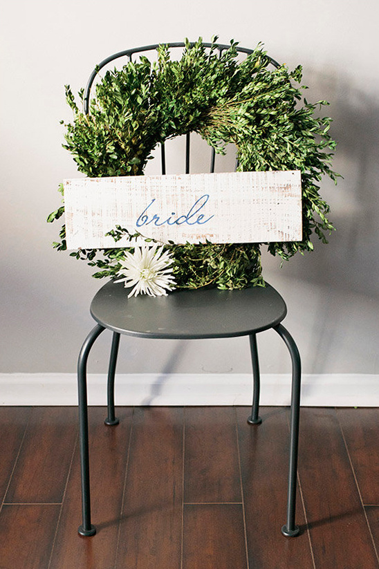 bride wreath @weddingchicks