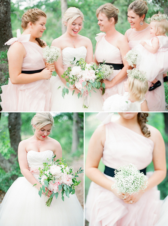 soft pink and babys breath bridesmaids @weddingchicks