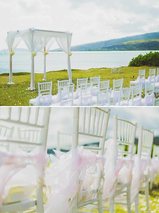 ocean side wedding ceremony @weddingchicks