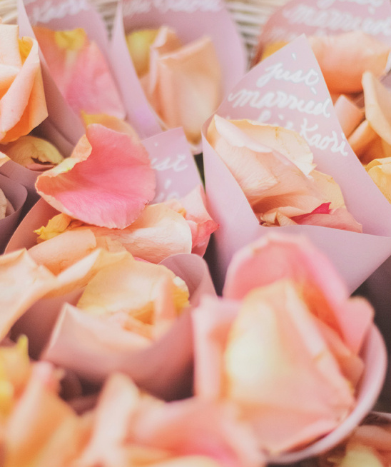 rose petals to toss on the newlyweds @weddingchicks