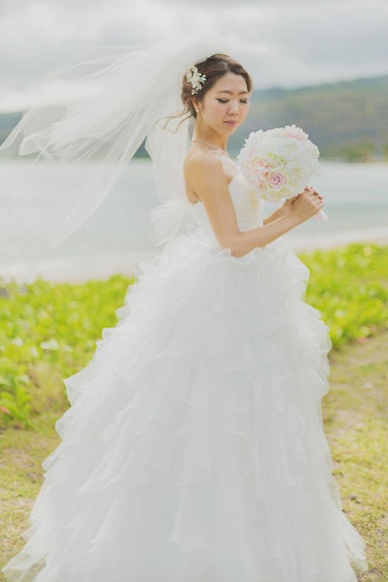 cascading tulle wedding dress @weddingchicks
