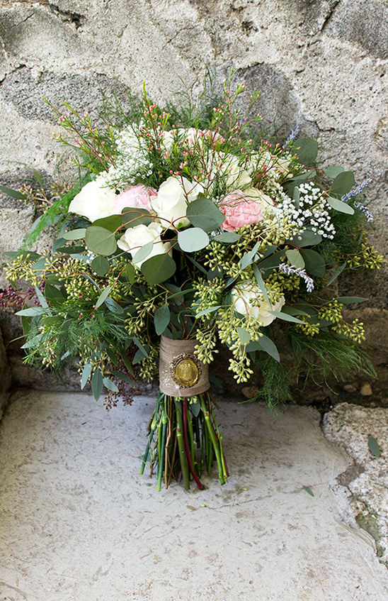 wedding bouquet by Flowers by Kristina @weddingchicks