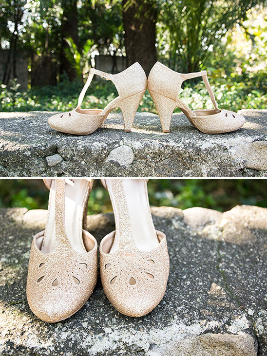 gold sparkle heels @weddingchicks