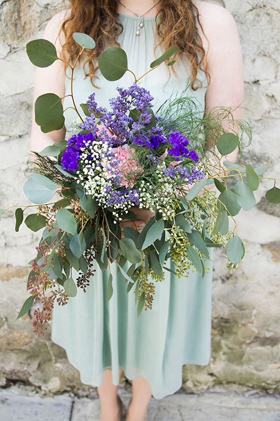 cascading bridesmaid bouquet @weddingchicks