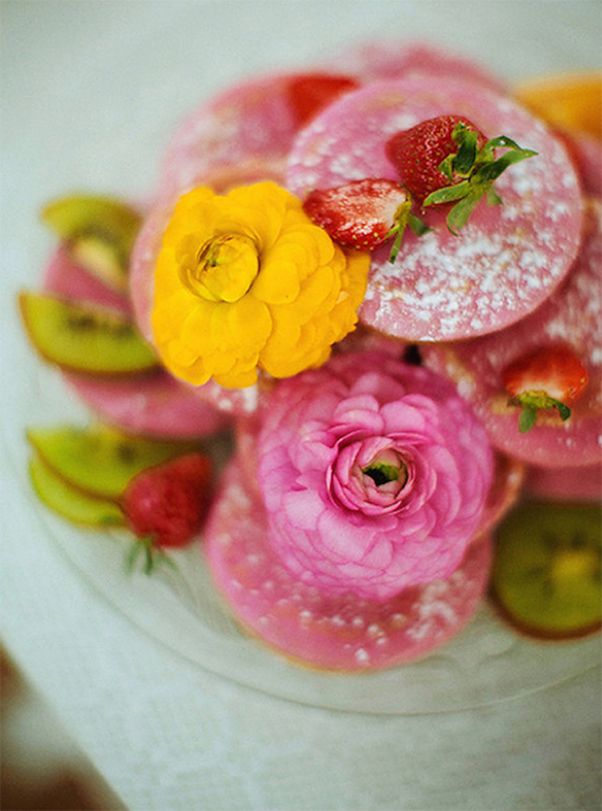 doughnuts and flowers @weddingchicks