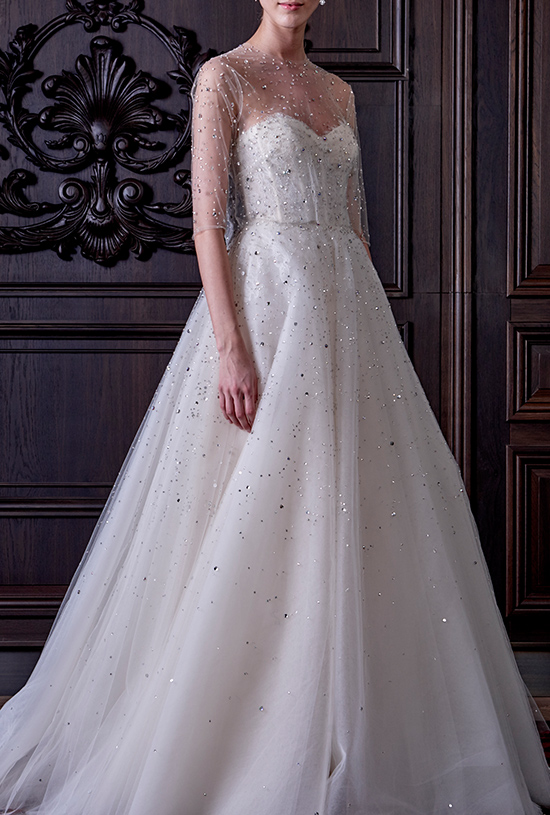 Monique Lhuillier wedding gown @weddingchicks