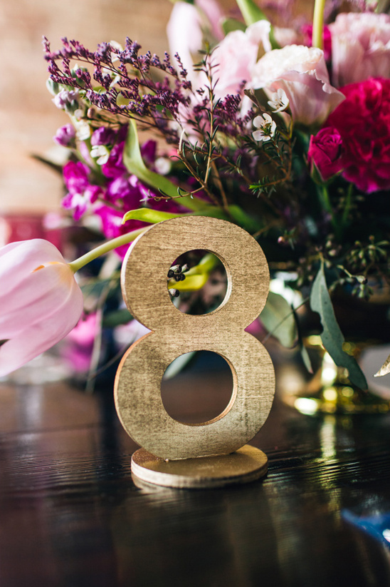 gold free standing table number @weddingchicks