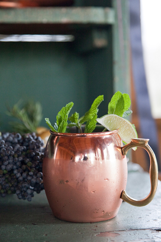 Moscow Mule Cocktail @weddingchicks