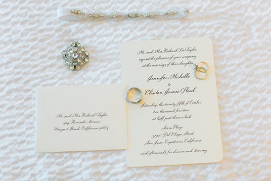 simple wedding invitation @weddingchicks