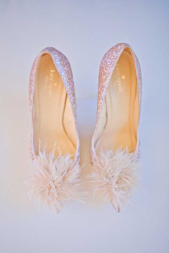 sparkly Kate Spade wedding shoes @weddingchicks