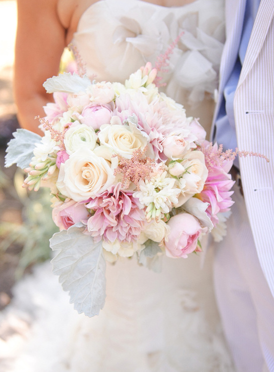 soft white and pink wedding bouquet @weddingchicks