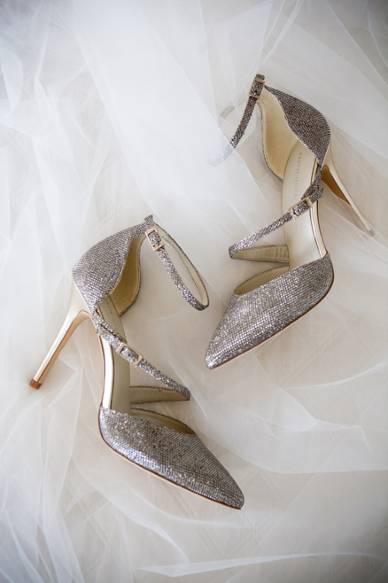 The perfect wedding shoes captured by Hawaii wedding photographer Jeannemarie