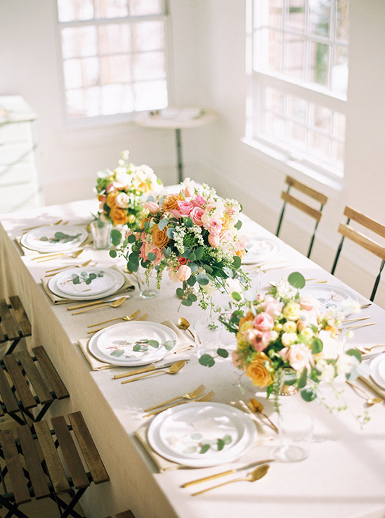 delicate spring wedding ideas @weddingchicks