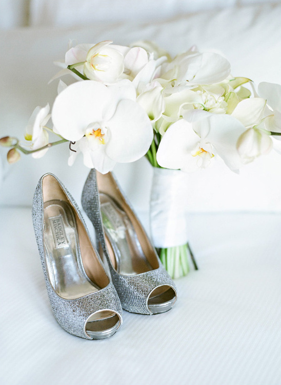 silver Badgley Mischka shoes @weddingshoes