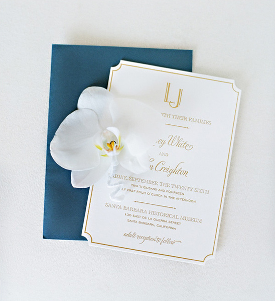 classic gold embossed wedding invitations @weddingchicks