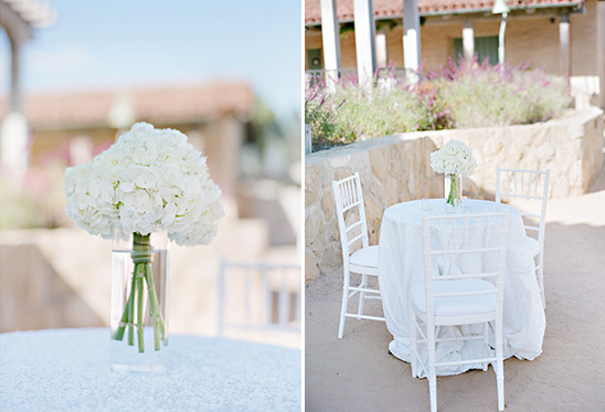 simple and clean cocktail hour decor @weddingchicks