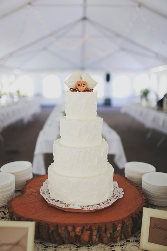cake by Chad Mathis of the Green Eyed Baker @weddingchicks