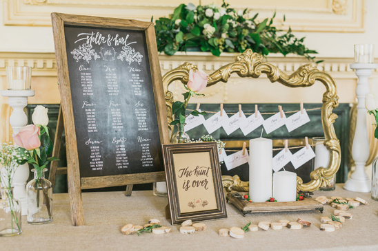 elegant rustic escort card display @weddingchicks