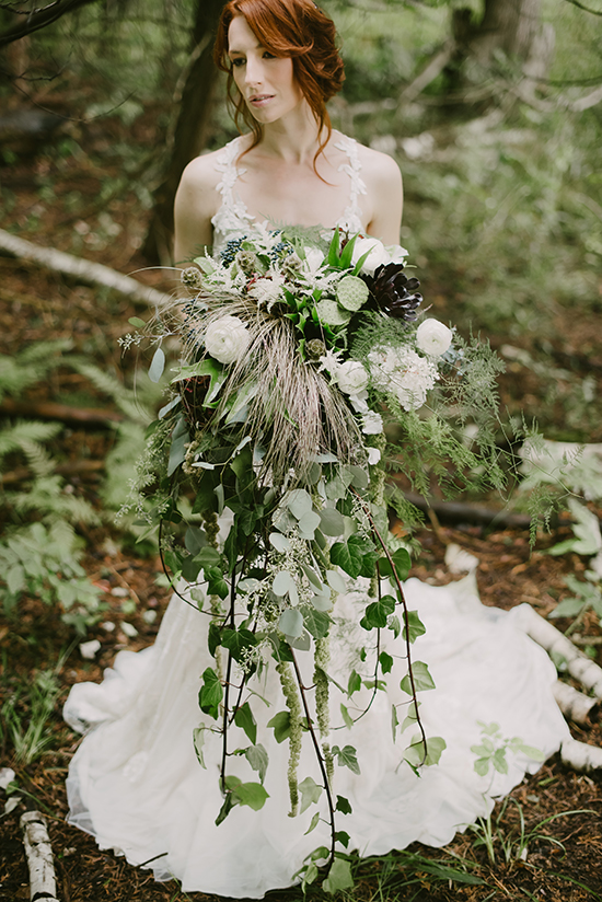 Earthy Wedding Ideas @weddingchicks