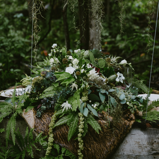 green wedding ideas @weddingchicks