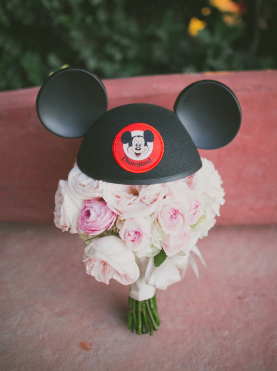 Disneyland bouquet @weddingchicks