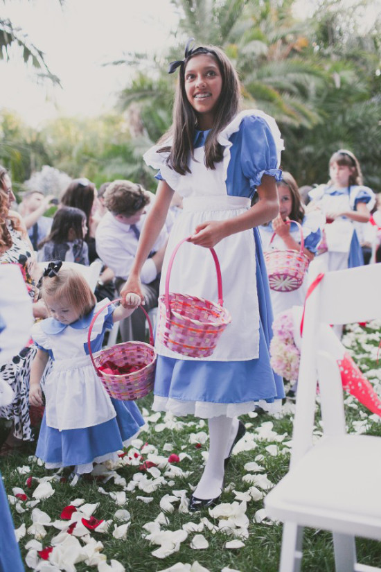 alice in wonderland flower girls @weddingchicks