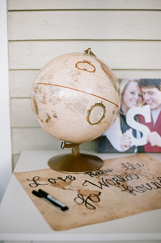 globe guest book @weddingchicks
