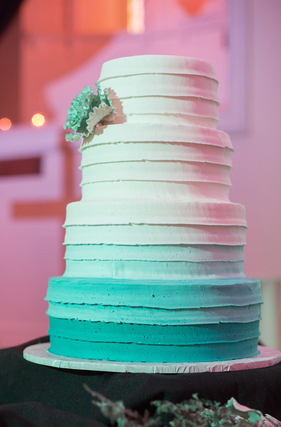 blue ombre wedding cake @weddingchicks