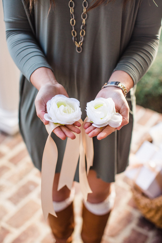 a corsage that will never wilt @weddingchicks