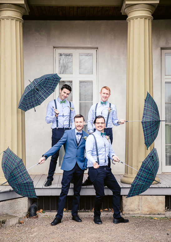 suspenders and bow tie groomsmen in blue @weddingchicks