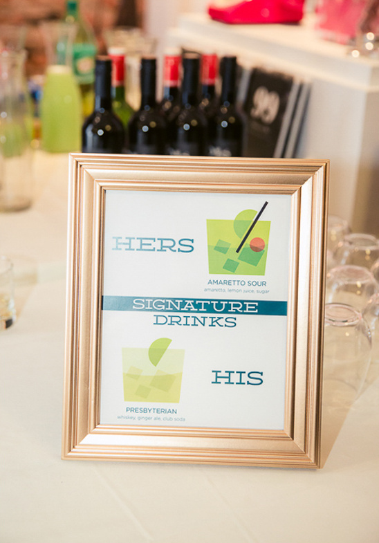 signature drinks sign @weddingchicks
