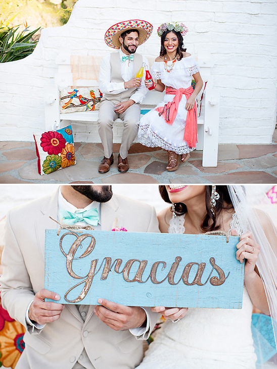 gracias wooden sign @weddingchicks