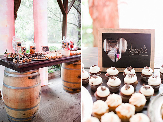 whiskey barrel dessert table @weddingchicks