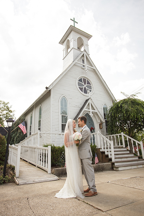 wedding chapel @weddingchicks