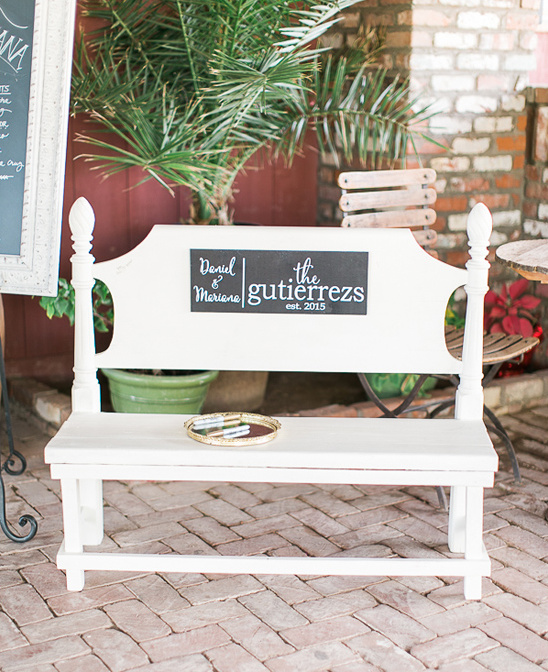wedding bench for guests to sign @weddingchicks
