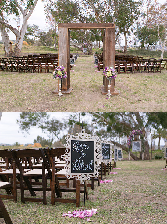signs lining the aisle @weddingchicks