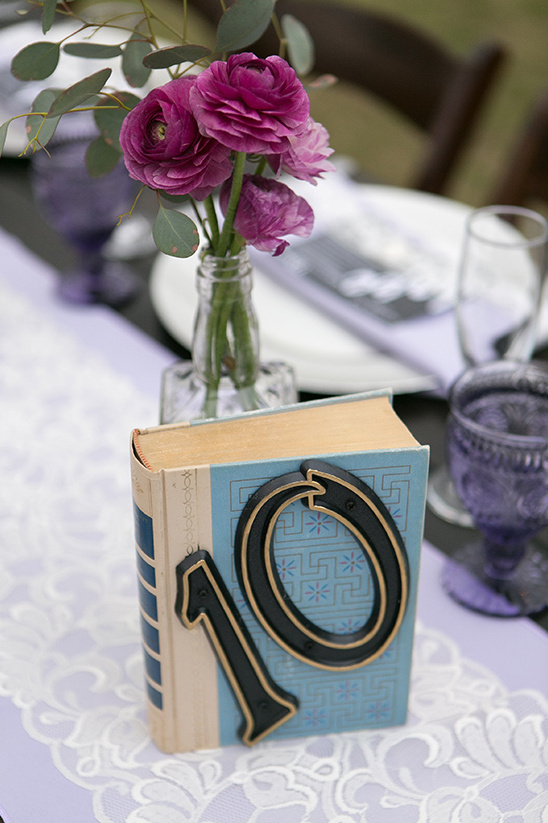 vintage book table numbers @weddingchicks