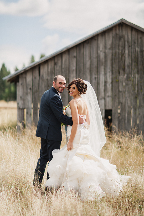 country wedding ideas @weddingchicks