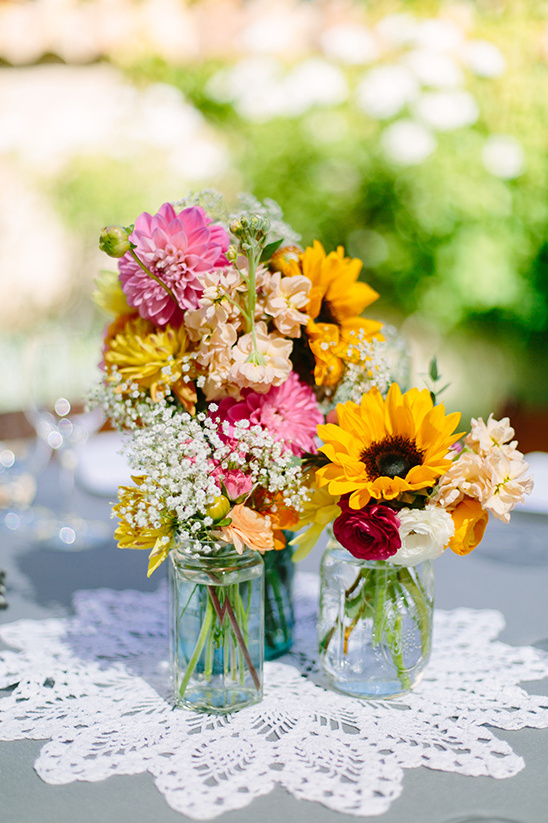 triple floral centerpiece @weddingchicks