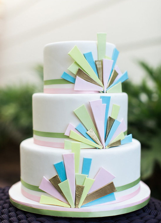art deco inspired wedding cake @weddingchicks