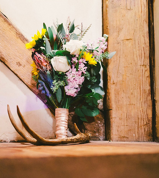 wild wedding bouquet @weddingchicks